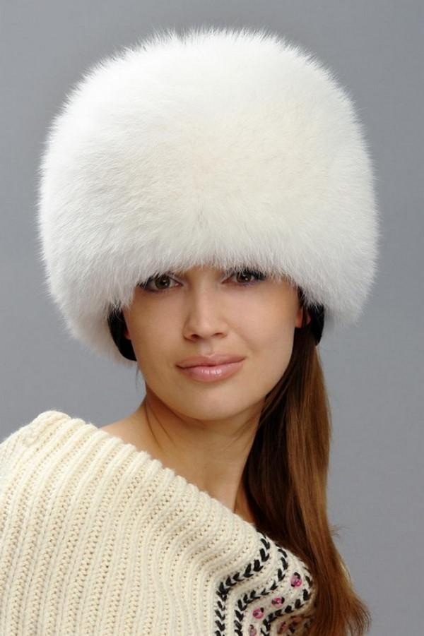 modnyye-zhenskiye-shapki-11