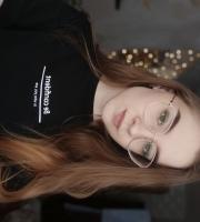 Анна 18
