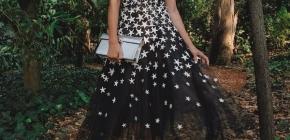 Красивые коктейльные платья-новинки на 2020-2021: фото, интересные примеры