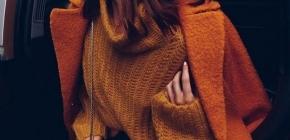 Трендовые свитера 2020-2021 года: фото модных джемперов и кофт